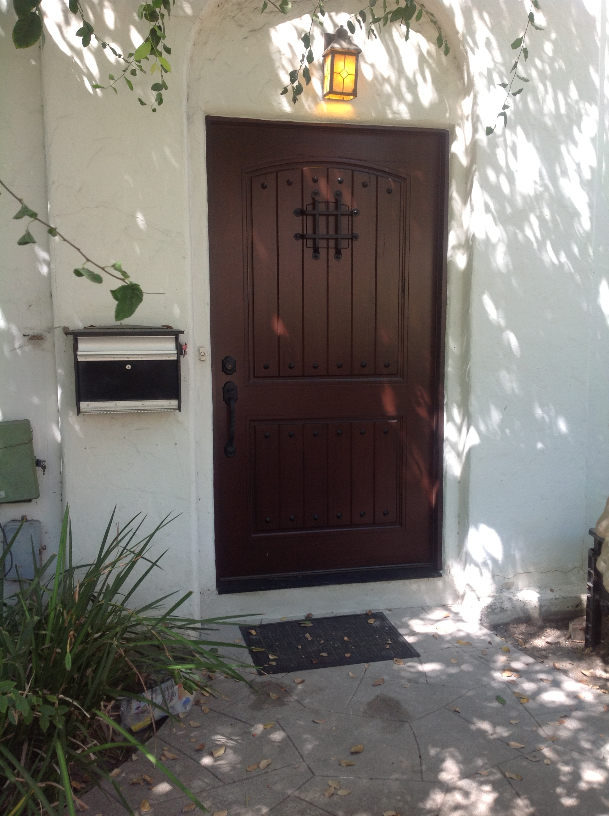 BEAUTIFUL NEW DOOR INSTALLED BY TASHMAN'S USING ESCON DOORS